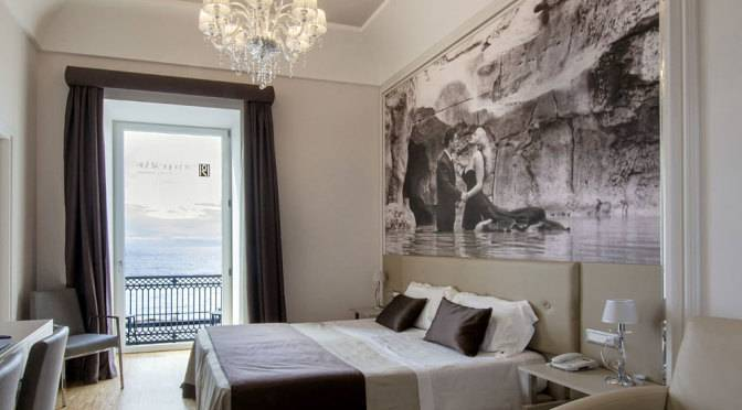 Partenope relais boutique hotel naples in holiday for Design hotel naples italy